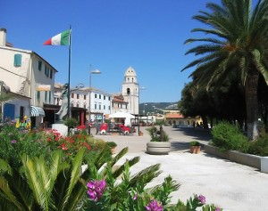Sirolo_la_piazza